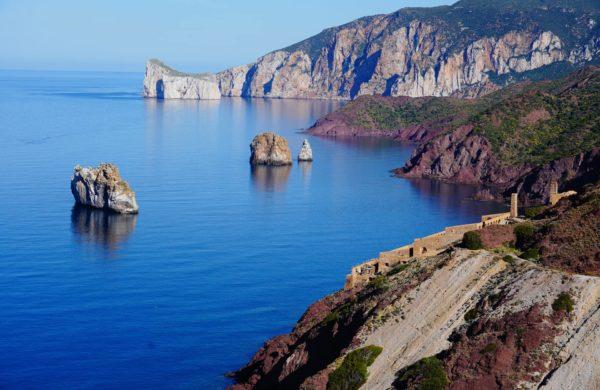 Italienische Felsen Steilküste